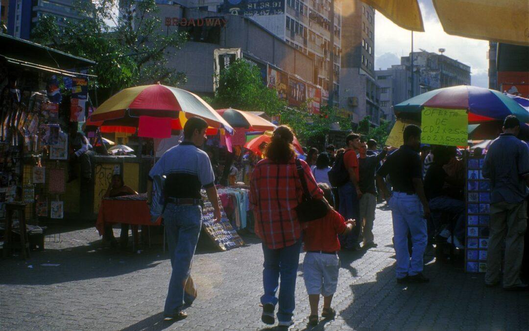 El comercio informal no tiene dolientes en el régimen