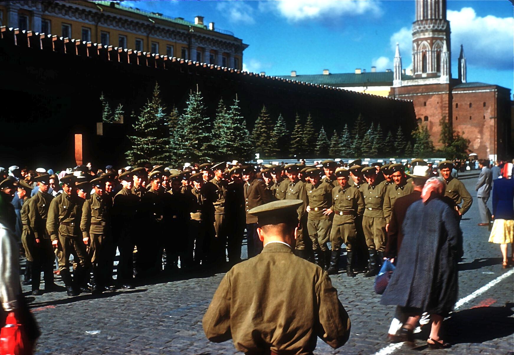 Asociando imágenes: ésta me impresionó durante un viaje de adolescente, en la Plaza Roja de Moscú, Julio 1959