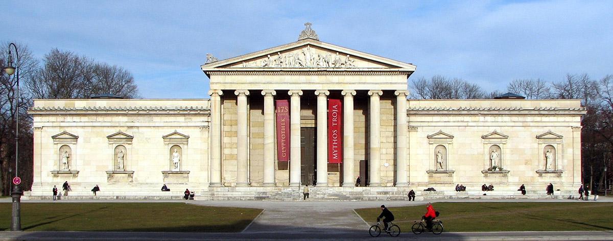Gliptoteca de Munich de Leo von Klenze, exterior restaurado entre 1947 y 57